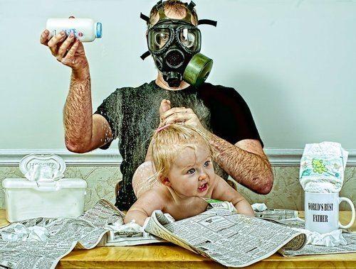 10-increibles-fotos-que-un-padre-hizo-a-su-hija-dave-y-annie-cambio-de-pañal