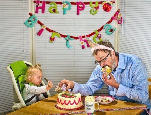 10-increibles-fotos-que-un-padre-hizo-a-su-hija-dave-y-annie-celebrando-un-cumpleaños
