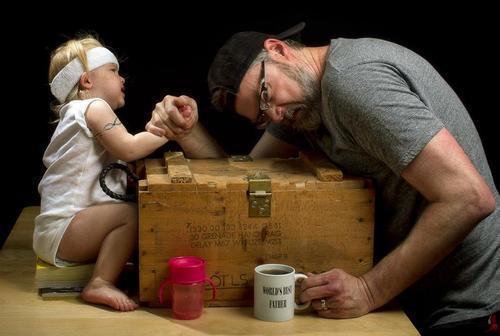10-increibles-fotos-que-un-padre-hizo-a-su-hija-dave-y-annie-en-un-pulso
