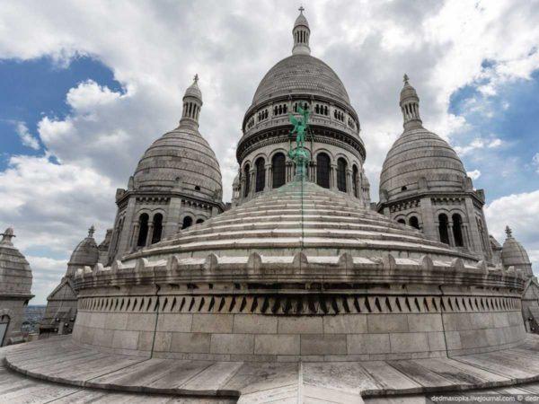 19-fotos-ilegales-y-espectaculares-de-los-monumentos-turisticos-mas-importantes-de-mundo-basilica-del-sagrado-corazon-de-Montmartre