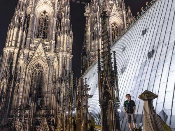 19-fotos-ilegales-y-espectaculares-de-los-monumentos-turisticos-mas-importantes-de-mundo-catedral-de-colonia-foto-frontal