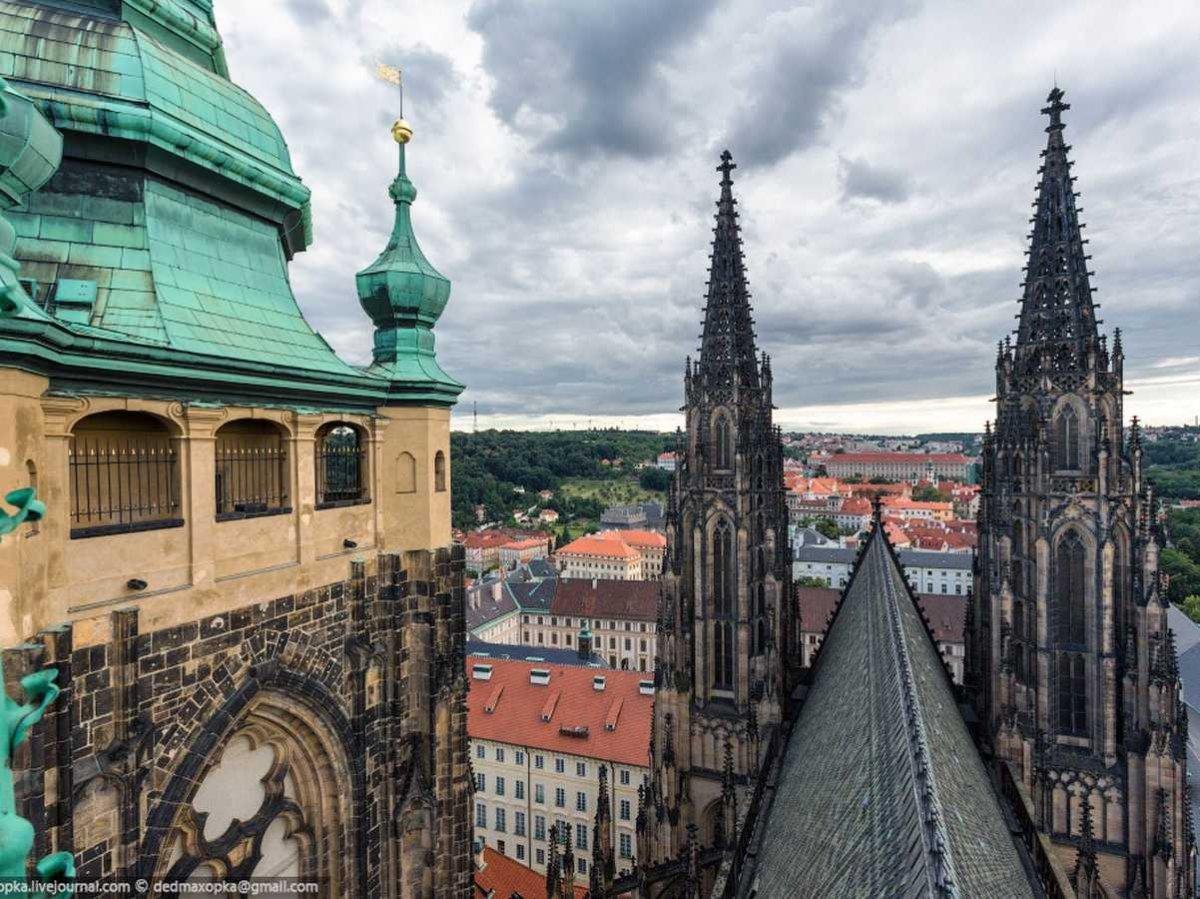 19-fotos-ilegales-y-espectaculares-de-los-monumentos-turisticos-mas-importantes-de-mundo-catedral.de-san-vitus-praga