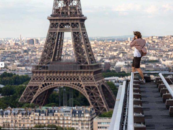 19-fotos-ilegales-y-espectaculares-de-los-monumentos-turisticos-mas-importantes-de-mundo-torre-eiffel