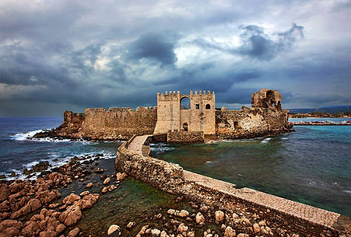 castillo methoni