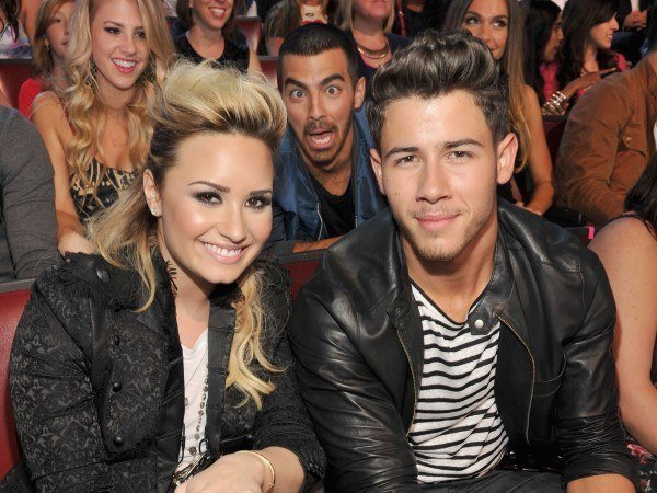 demi-lovato-nick-y-joe-jonas