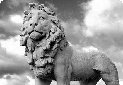 estatua leon