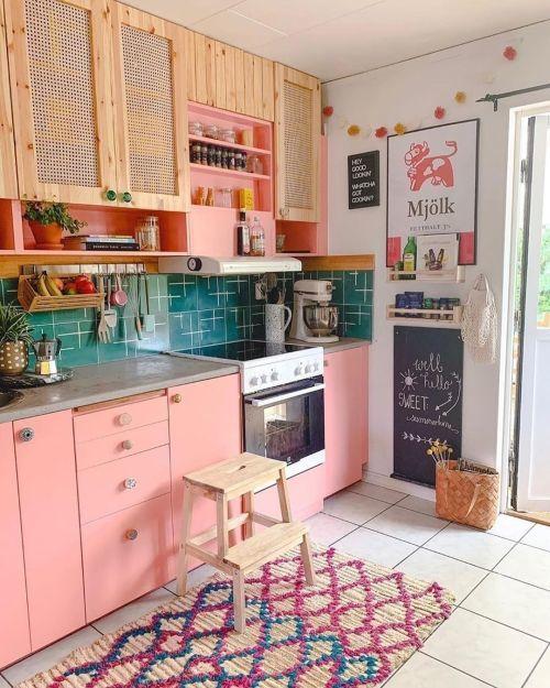 Cocina pequeña en rosa