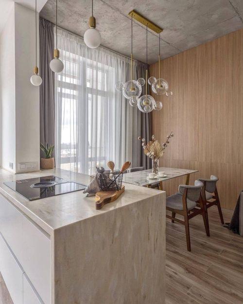 Cocina moderna con lámparas de burbujas