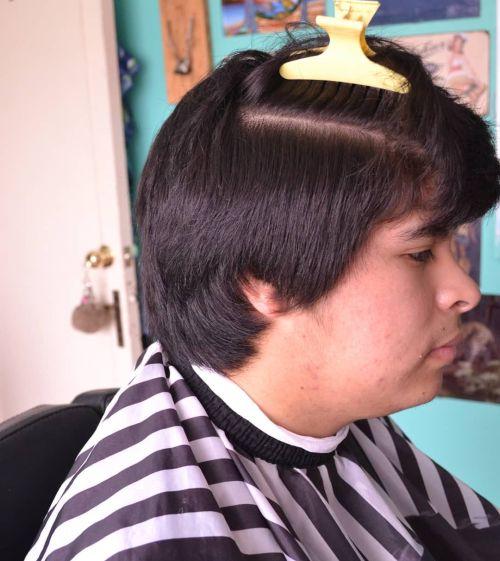 Corte de pelo en degradado en capas largas