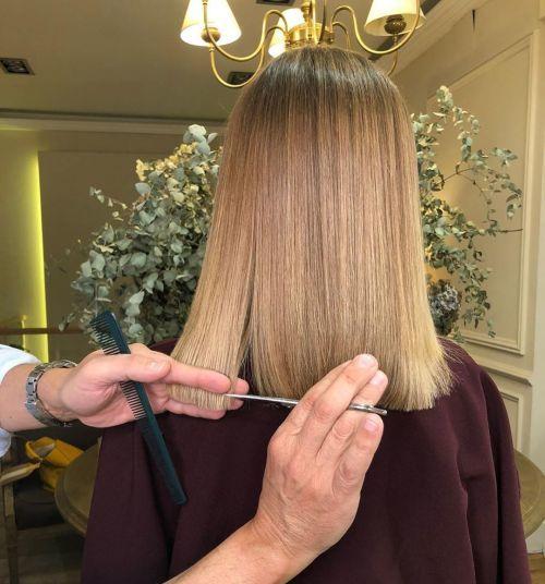 Corte de pelo en seco pero recto para saneado de puntas