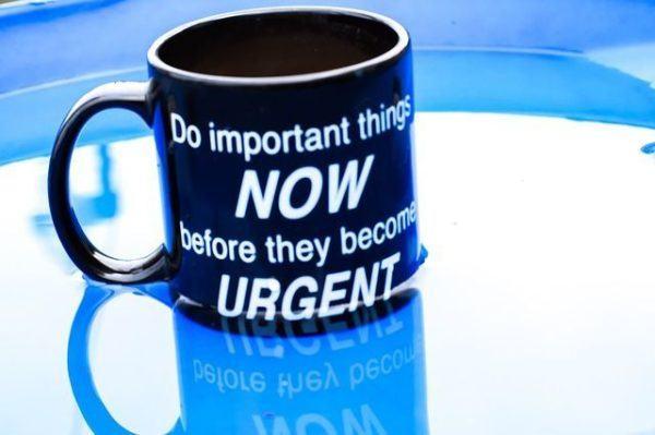 frases-de-motivacion-para-decorar-la-oficina-taza