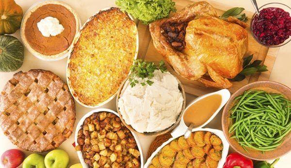 imagenes-accion-de-gracias-comida-pavo-salsas-postres