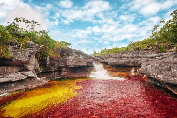 las-fotos-de-los-10-de-lugares-de-la-tierra-que-parecen-de-otro-planeta-Caño Cristales en Colombia