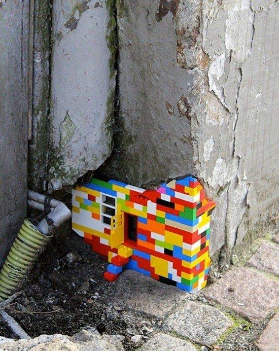 las-mejores-fotografias-de-arte-callejero-o-urbano-edificio-lego