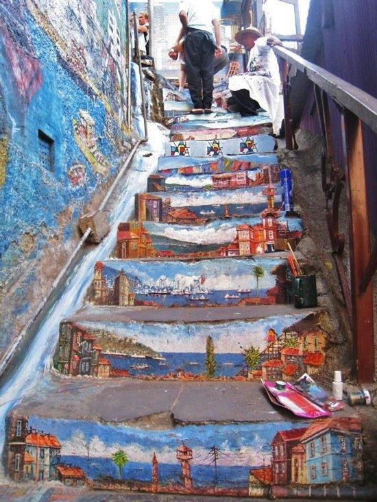 las-mejores-fotografias-de-arte-callejero-o-urbano-escalera-paisaje
