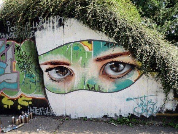 las-mejores-fotografias-de-arte-callejero-o-urbano-mirada-pared