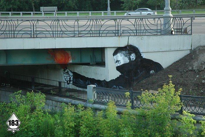 las-mejores-fotografias-de-arte-callejero-o-urbano-puente-disparo