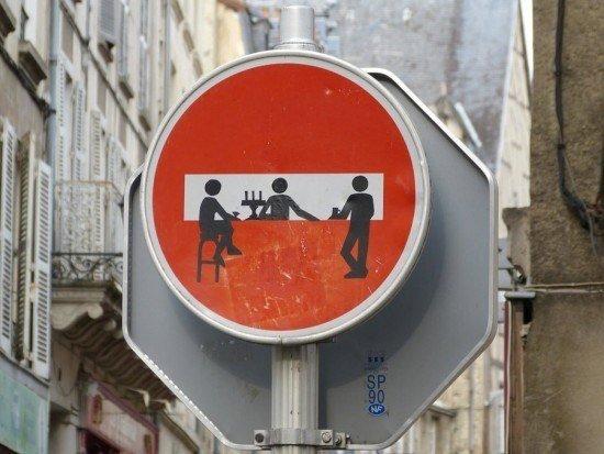 las-mejores-fotografias-de-arte-callejero-o-urbano-señal-trafico