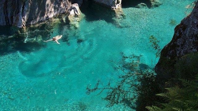 las-mejores-fotos-de-12-lugares-que-parecen-fantasia-en-nueva-zelanda-blue-pool-track