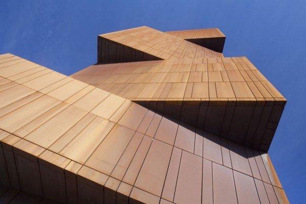 las-mejores-fotos-de-rascacielos-Leeds-Broadcasting-Tower-exterior