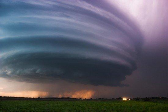 las-mejores-fotos-de-tormentas-tifon-redondo