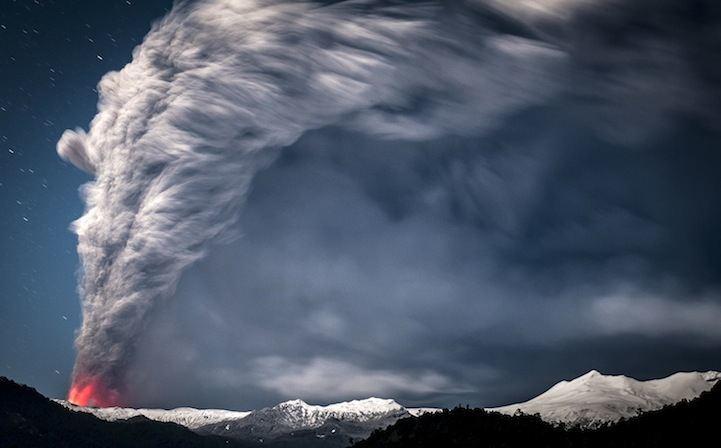 las-mejores-fotos-de-volcanes-Cordón-Caulle-cielo-humo