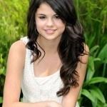 I live in  famous world (inagurado hoy) Selena-gomez-1-150x150